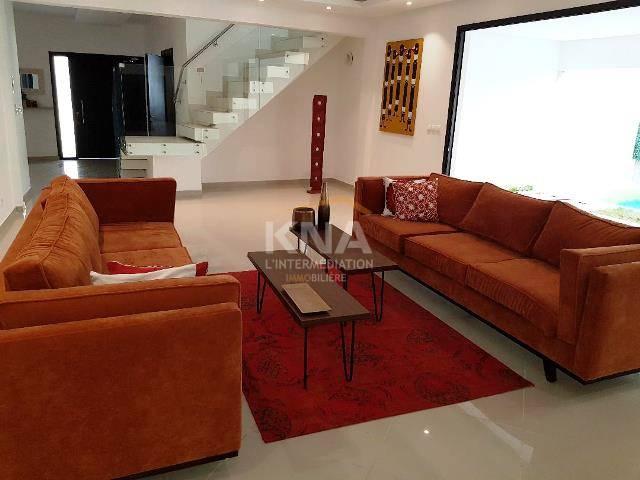 Villa à Location longue durée à Golf 4 Abidjan