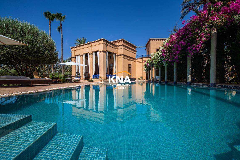 Belle Villa conçue avec une infinie subtilité sur la route de la Palmeraie